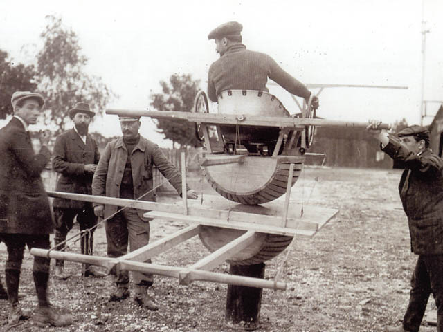 Full Motion Flight Simulator 1910